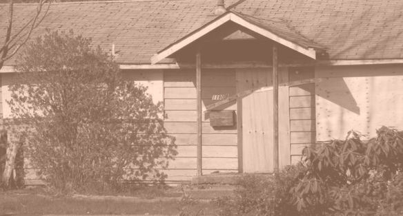 A condemned house in the Selkirk lands before its demolition in 2011