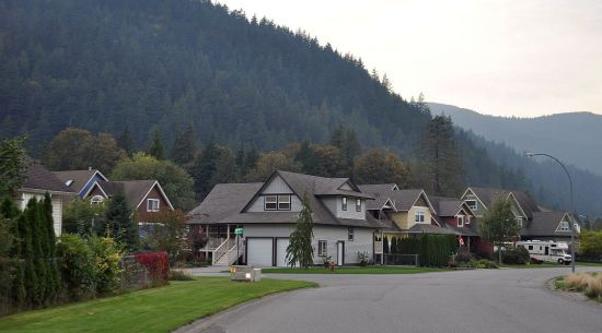 Residential street, Harrison Hot Springs