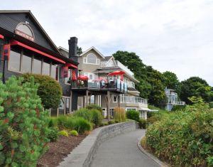 Oceanfront houses, Comox
