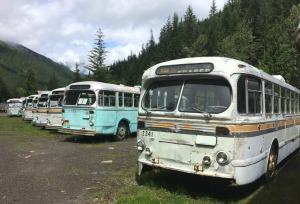 Disintegrating Vancouver trolley buses, Sandon